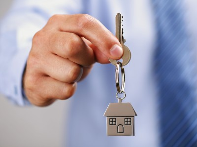 Buying and Selling a Home at the Same Time? How to Juggle These Two Transactions